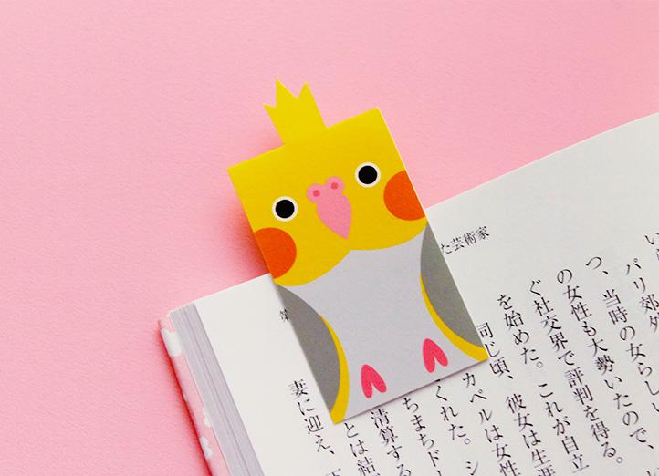 本のページにはさまるしおり鳥